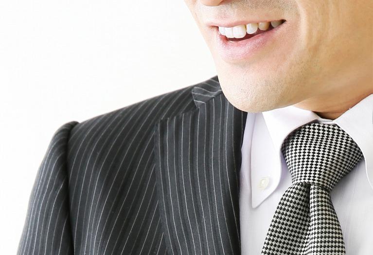 歯は意外と年齢が出る部分です